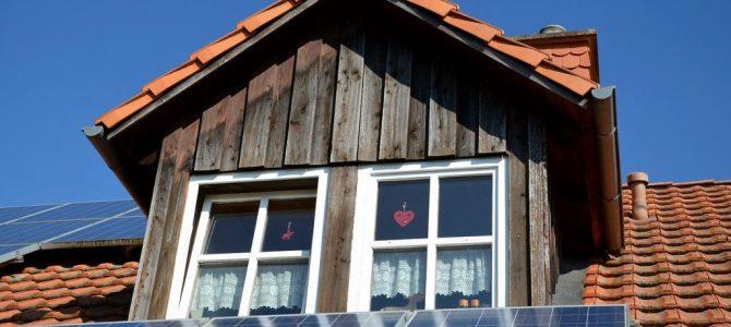 photovoltaïque sur le toit d'une maison