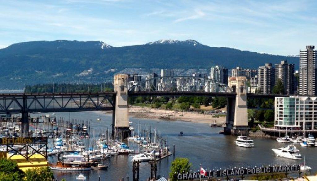 Visiter le Canadaautrement : en voiture de luxe, en train…