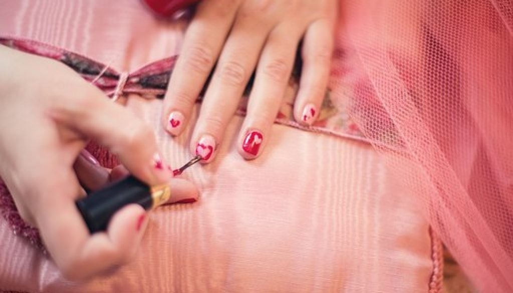 painting-fingernails-635261__340