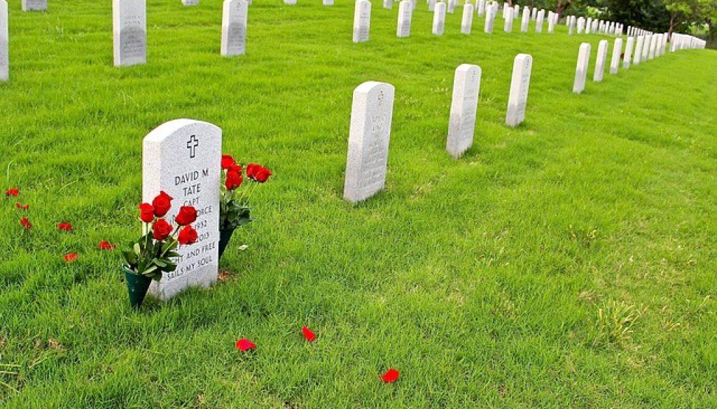 graveyard-857355_640
