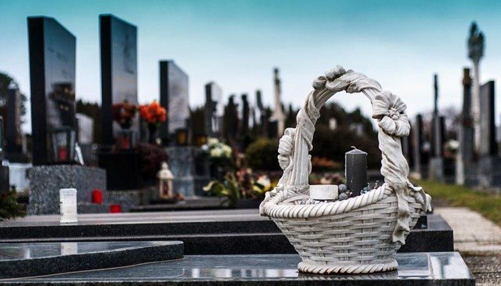 cemetery-1758349_640