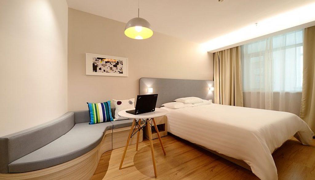 hotel-1330834_640