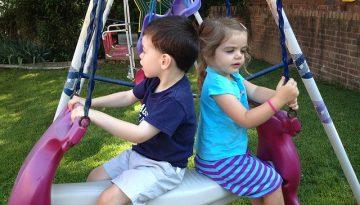 kids-at-swing-1185902_640
