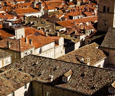 roofs-1186466_640