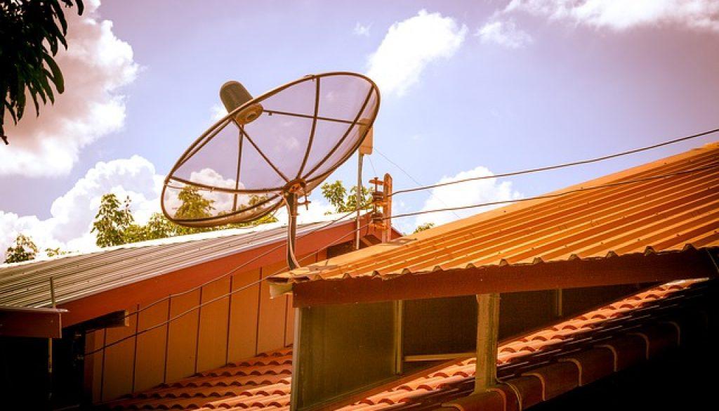 satellite-dish-4400000_640