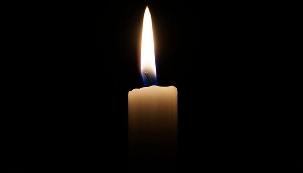 candle-2038736_640