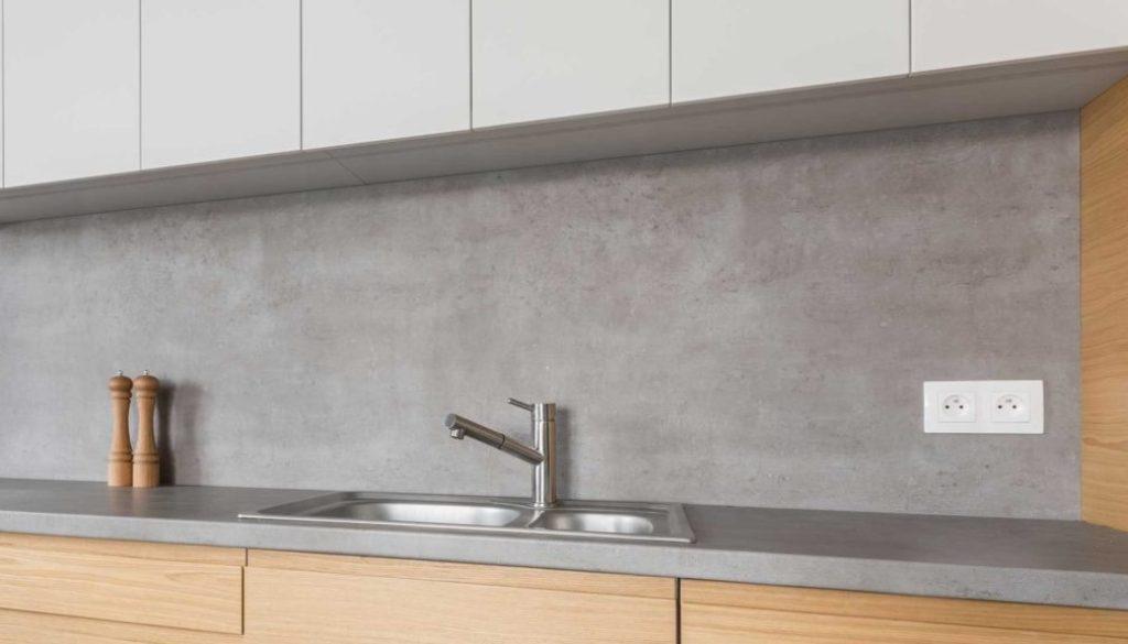 appliquer-resine-sur-plan-travail-cuisine-10788