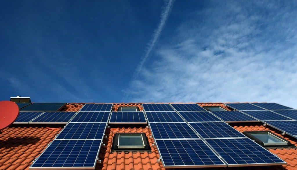 Maison paneaux solaires